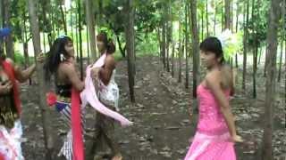 Cintyasari Suryati - lipsing waria goyan...