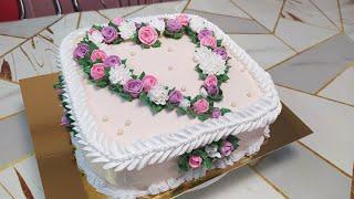 Бисквитный торт Цветочное сердце