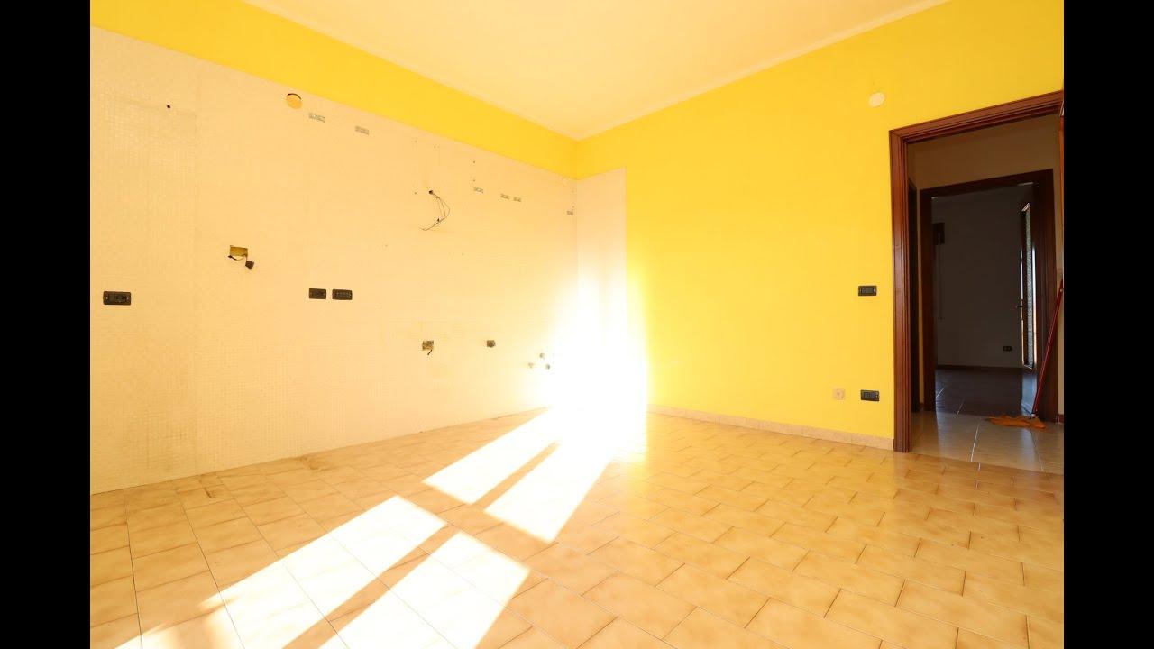 Appartamento Trilocale in Locazione ad Arzano  - Via Francesco Giordani -
