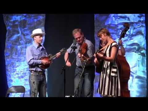 Let Me Fall - Foghorn Stringband at CBA Festival