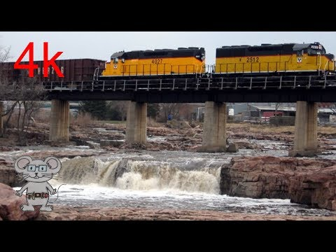 D & I Railroad Train Running Over Falls Park Sioux Falls, SD In 4K