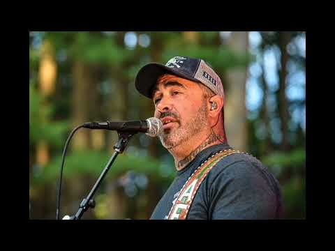 Aaron Lewis When I'm Gone (Acoustic) (Live)