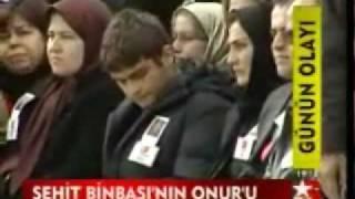 Gambar cover Devlet CANINI uğurladı, Şehit Binbaşı Süleyman CAN'ın vakur oğlu ONUR'u izleyin, 22.11.08