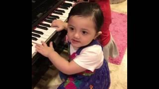 ARSY Cinta Musik Sejak Bayi... Belajar Bermain Piano