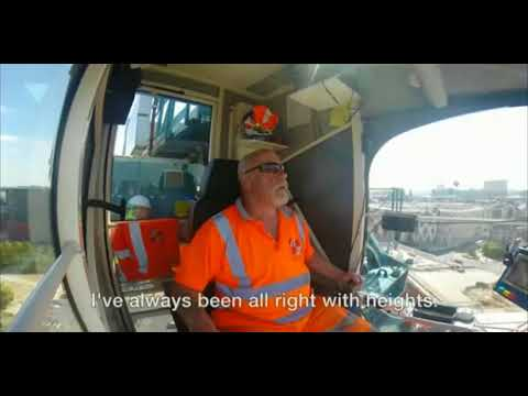 How Does A Crane Operator Go To The Bathroom Youtube