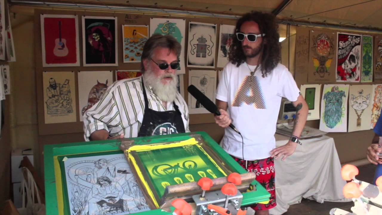 8dd439699 LIVE SCREEN PRINTING with Andy MacDougall / Squeegeeville at Primavera Sound