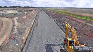 Regional Rail Link: Laying track in Tarneit
