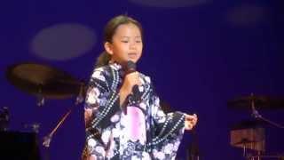 「花笠道中」 美空ひばり Cover 東 あき 7歳 可愛い 演歌 忙しいステージ!