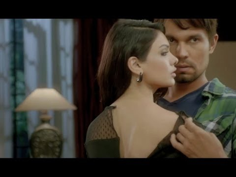 Randeep Hooda and Sara Loren promote 'Murder 3'