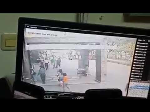Rekaman CCTV detik detik  bom gereja di surabaya
