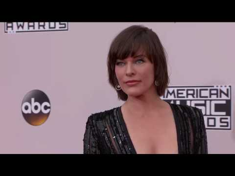 Milla Jovovich Fashion - AMAs 2016