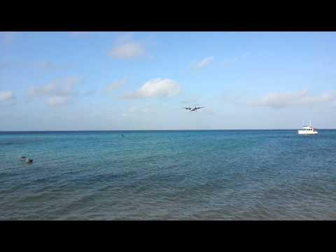 Aterrisagem no aeroporto de Los Roques-Venezuela. Landing in Los Roques Airport