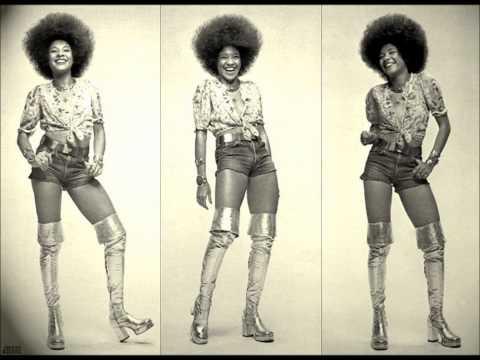 Betty Davis - Walkin Up the Road