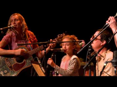 Hymn For Her - Sioux City Sue (eTown webisode #1077)