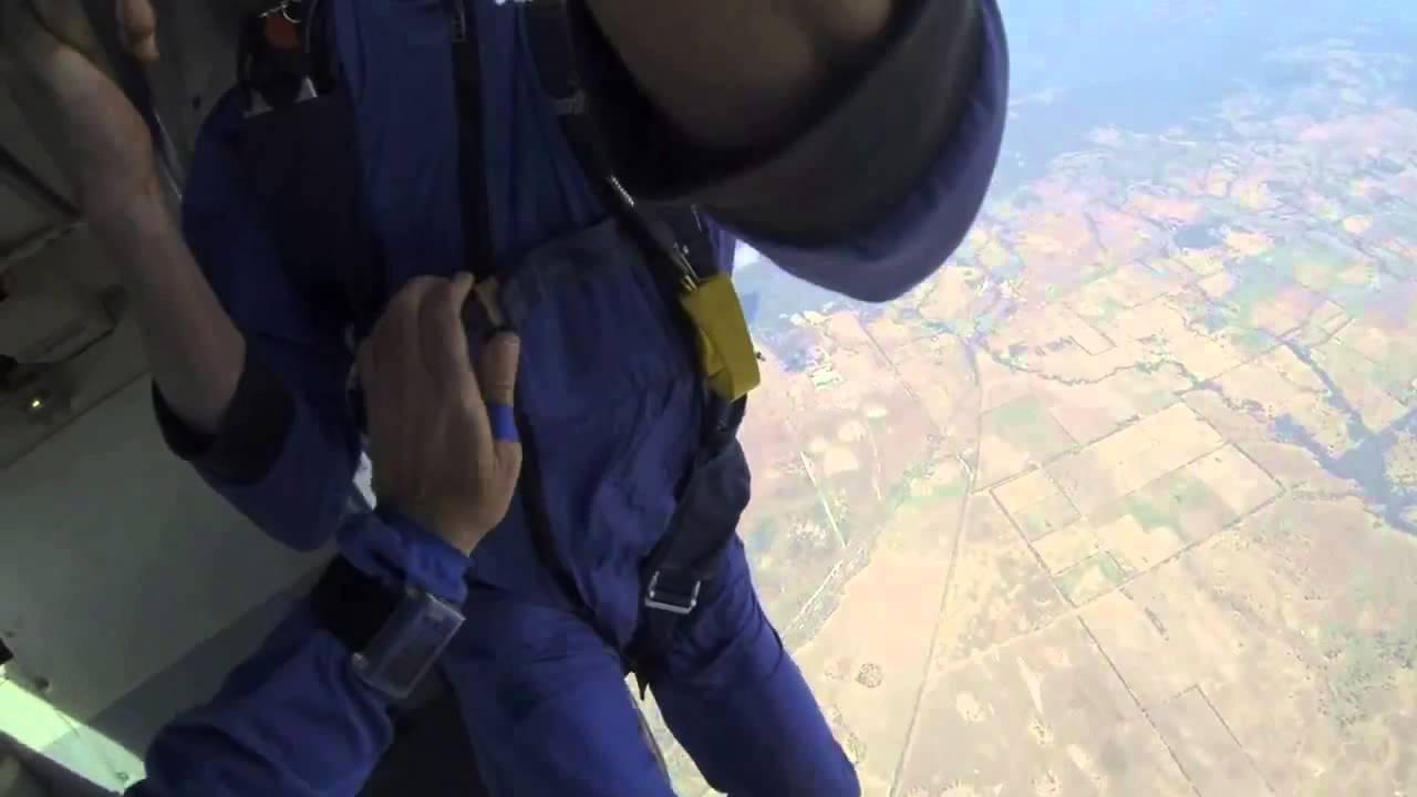 Dostał padaczki podczas skoku ze spadochronem!!