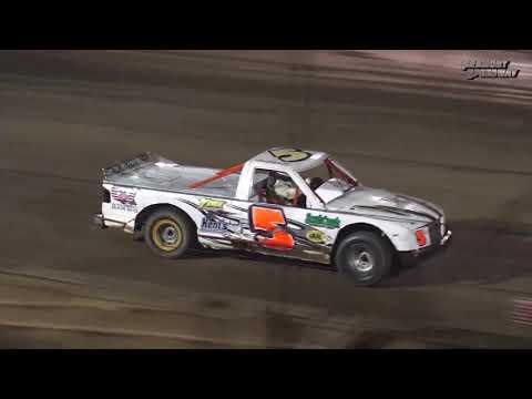 Fremont Speedway Powder Puff Dirt Truck Feature - 8/22/17