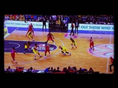 Victor Khryapa CLUTCH! Euroleague - Championship Game