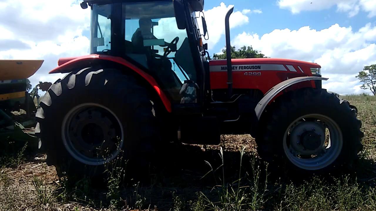 Plantio de milho com o MF 4299(HD)