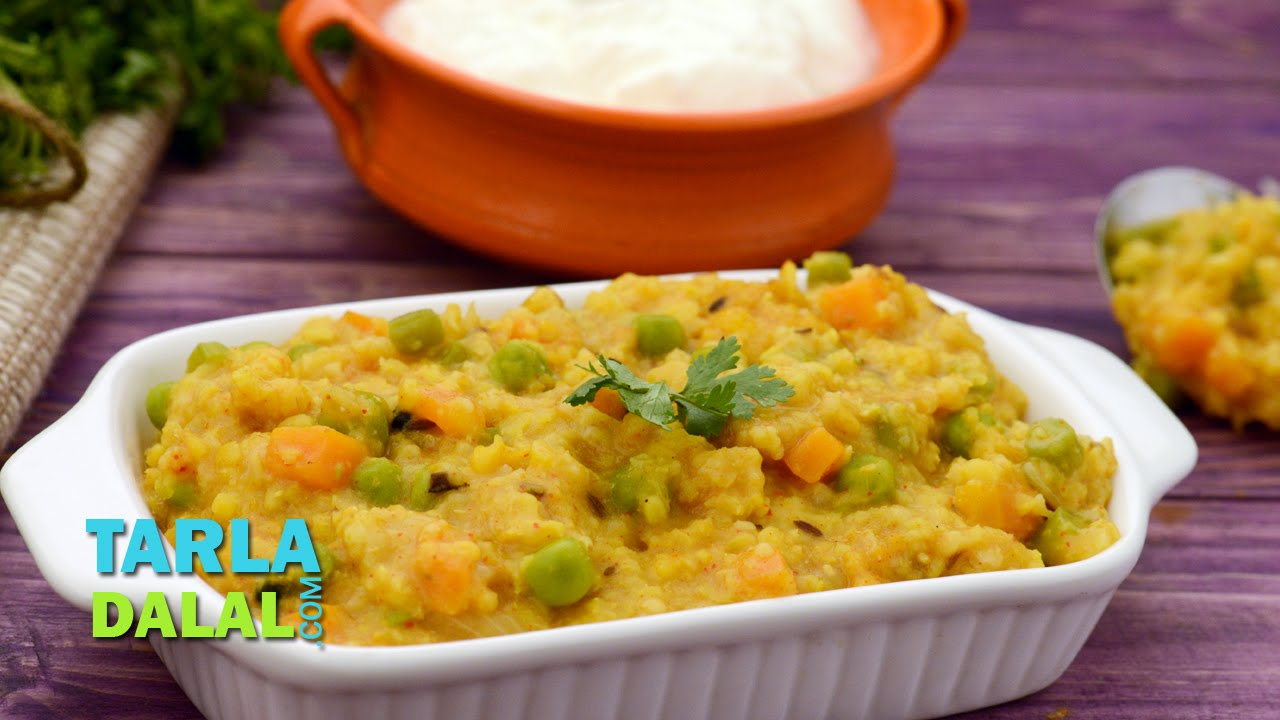 Whole wheat and vegetable khichdi diabetic friendly and low whole wheat and vegetable khichdi diabetic friendly and low cholesterol recipe by tarla dalal youtube forumfinder Gallery
