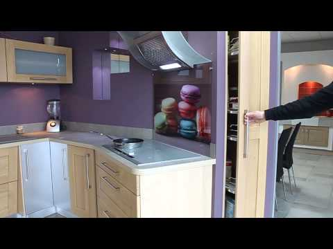 Cuisine mur violet placard coulissant youtube for Cuisine equipee violet