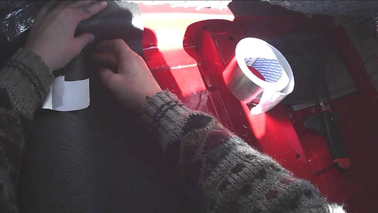 Укладка тепло-шумоизоляции ППЭ на пол салона