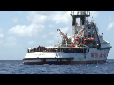 Salvini Autoriza desembarque de menores a bordo do Open Arms