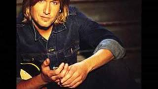 Watch Keith Urban Arms Of Mary video