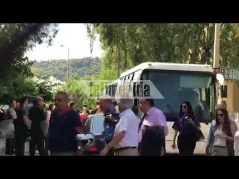 Στο αυτόφωρο τα μέλη του Ρουβίκωνα για το ντου στο υπουργείο Προστασίας του Πολίτη [εικόνες & βίντεο]