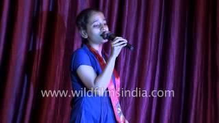Girl sings 'Aag Sita Ke Sukh Mein Lagai' : Shraddha Ramlila, Faridabad