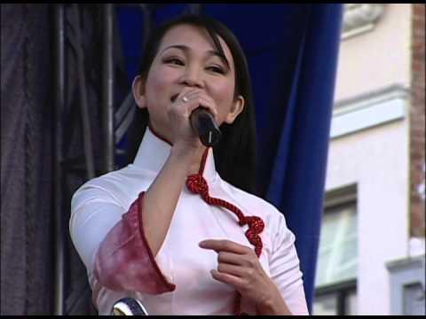 ca si:Huong Thuy