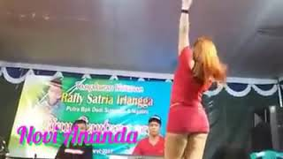 Download Video WOW...!EROTIS NOVI ANANDA MLENUK RA KUAT MBOK GOYANG PARAH BANGET HOT |DANGDUT MESUM MP3 3GP MP4