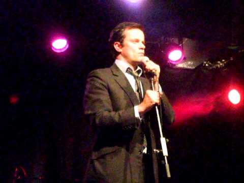 "Tony Gardner ""Teenage Dirtbag"" at Karaoke Circus"