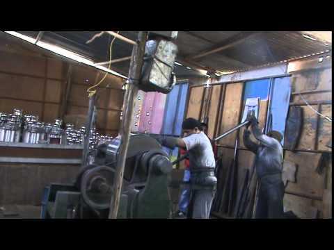 SAUL VICENTE CUBA planchando la olla industrial 50