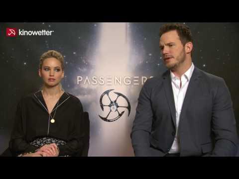 Jennifer Lawrence & Chris Pratt PASSENGERS