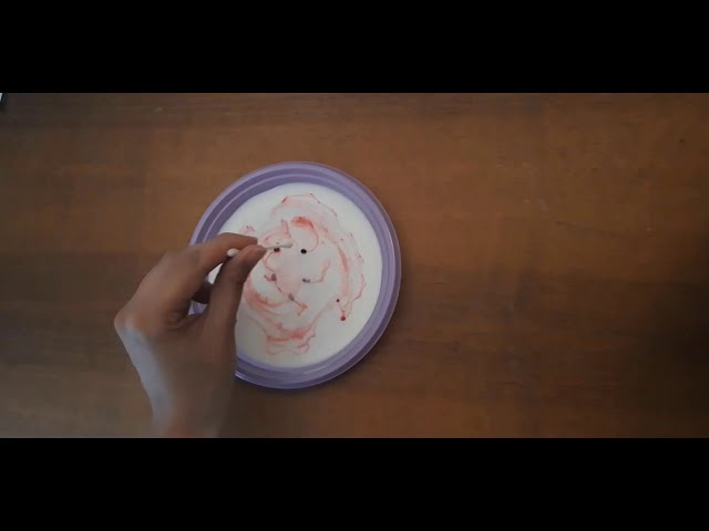 Latte colorato - Le Nuvole Scienza #lenuvolescienza #comunicarescienza #giocaconlenuvole #chimica