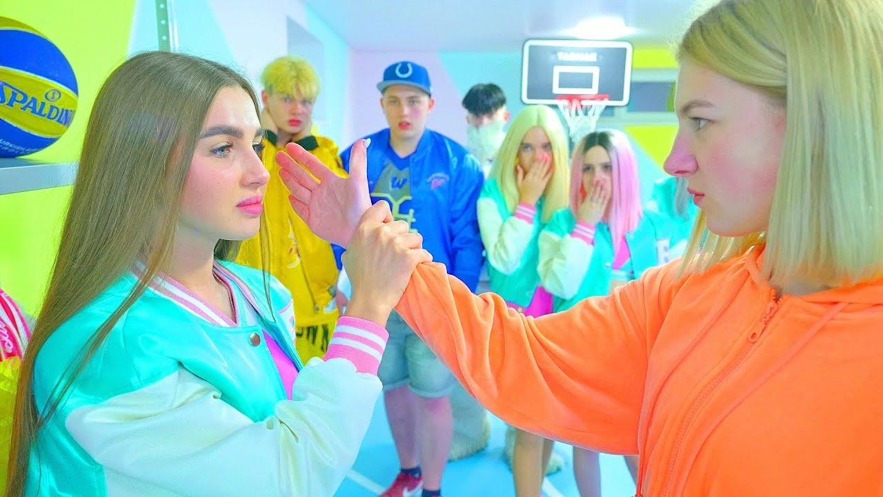 Download ¡Diana puso a Abby en la piel del entrenador! ¡El entrenador no esperaba esto de un rebelde!