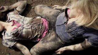 Repeat youtube video Hot girls mud wrestle