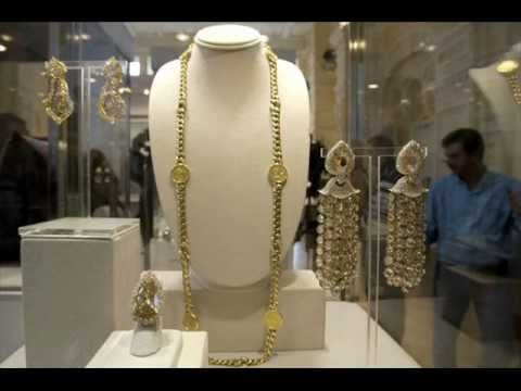 Elizabeth Taylor jewels to be auctioned