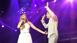 Ricky Martin & Delta Goodrem  Nobody Wants To Be Lonely - Townsville