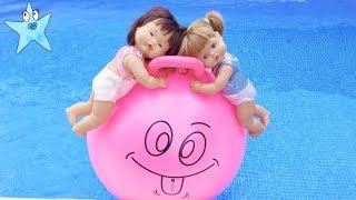 Ani y Ona SUPER DIVERSIÓN en la piscina y en la playa