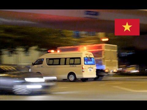 Ho Chi Minh City (Vietnam) Ambulance Responding Rapidly With [Lights & Siren]