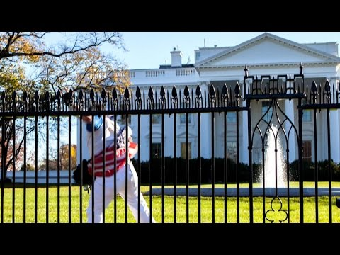 Fence jumper breaches White House grounds with Obamas inside