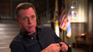 "Chicago P.D.: JASON BEGHE ""Sargent Hank Voight"" TV Interview"