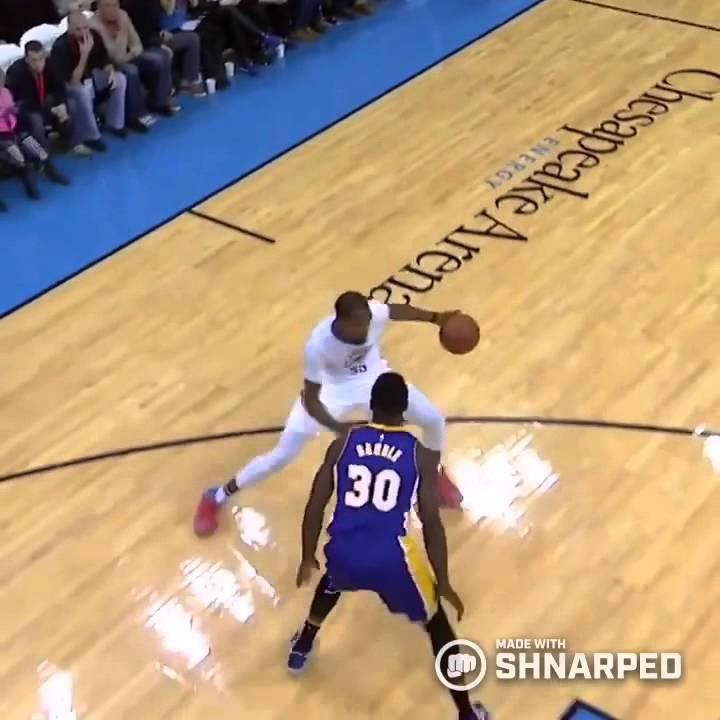 Kevin Durant crosses Julius Randle! - YouTube 9066894b4