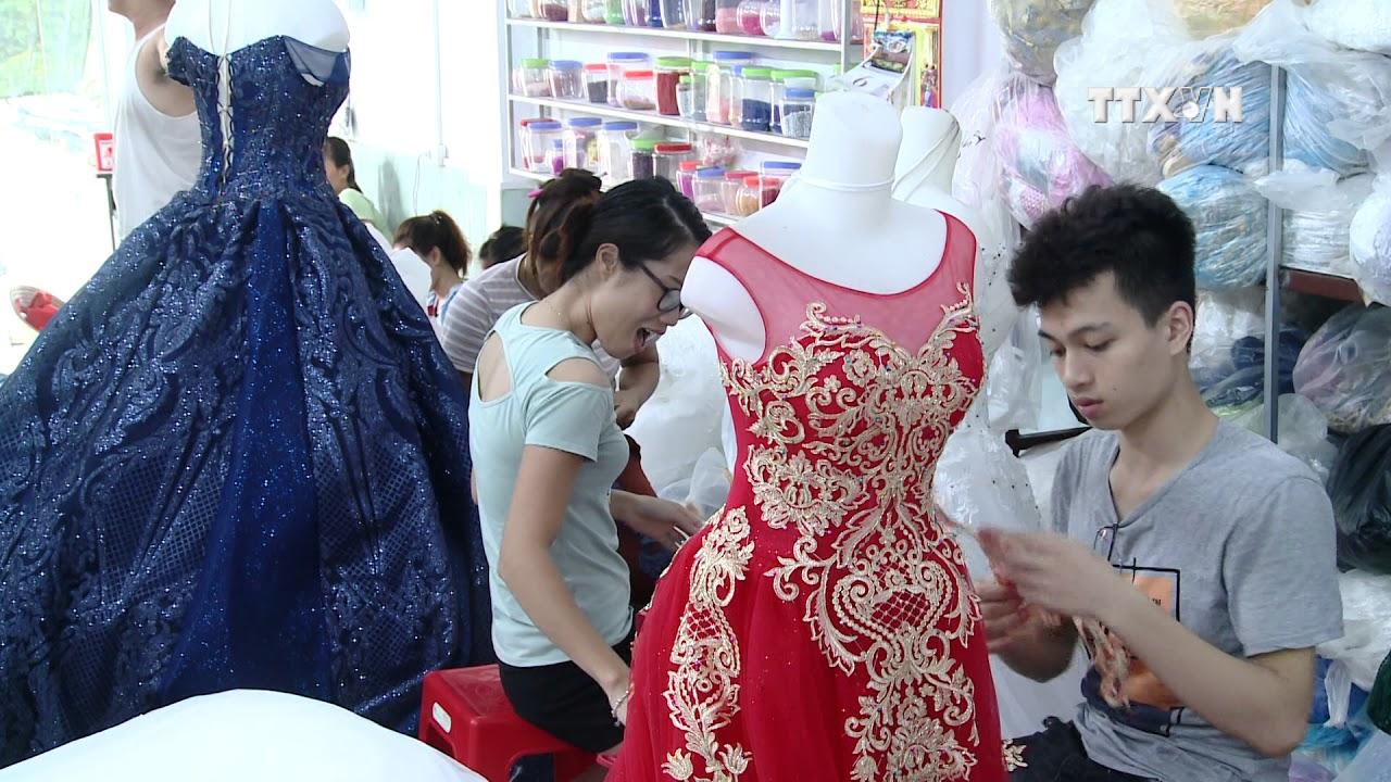 Wedding Gowns Bring Extra To Coastal Community Youtube