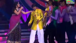 Indian idol 6 Sunidhi and Amit Kumar performing