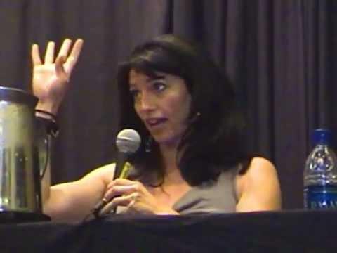 Claudia Black at Dragon Con 2007 Atlanta