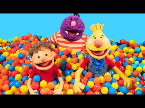 learn-the-colors-blue,-yellow,-&-red-in-the-super-duper-ball-pit