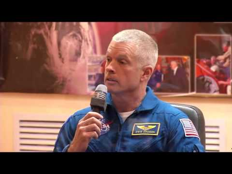 Expedition 39/40 Crew Meets Officials and Reporters as Launch Approaches
