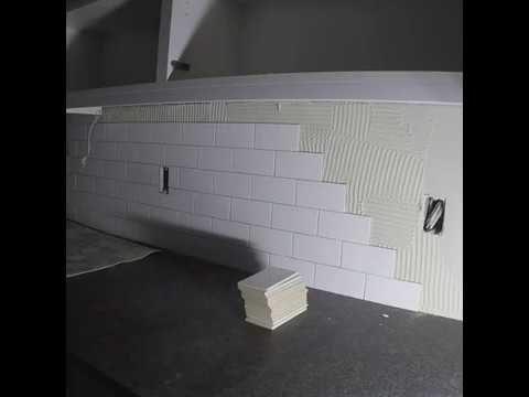 KITCHEN BACKSPLASH SUBWAY TILE 3x6 INSTALL TIMELAPSE